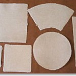 色紙 square piece of high-quality paperboard (for writing poems or painting pictures)